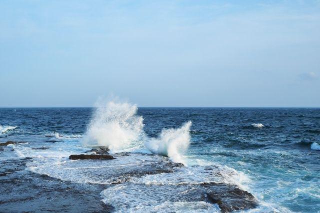 【鬼界カルデラ】27日16:00頃から鹿児島県沿岸で最大約「100cm」の海面昇降が観測される…副振動が発生