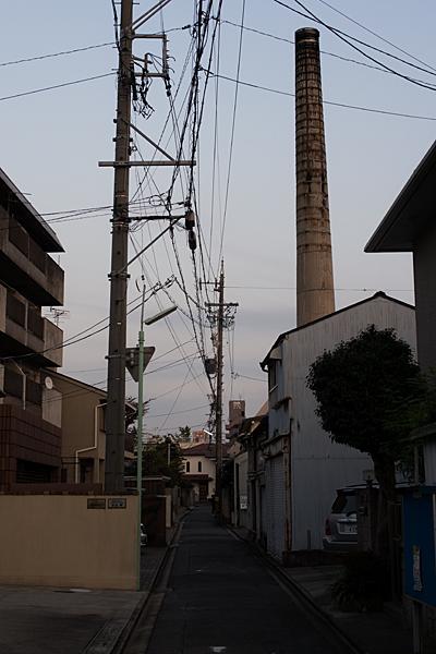 百人町路地と煙突