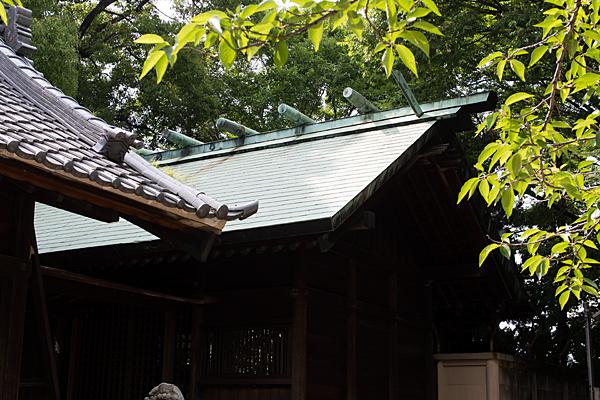 貴船神社本殿屋根