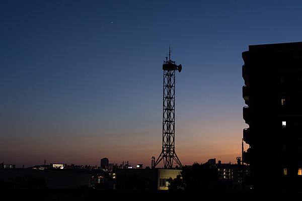 電波塔のシルエット