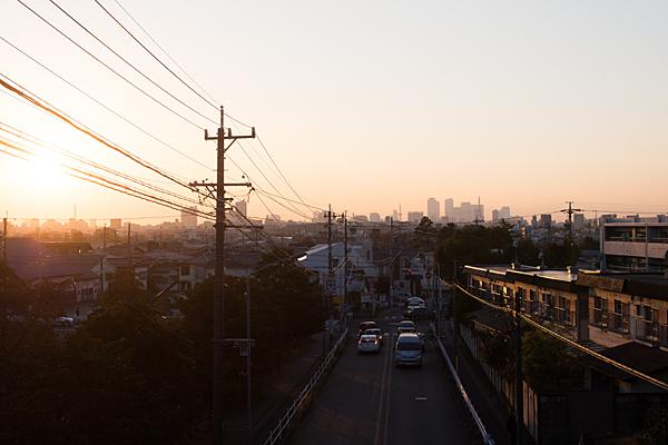 茶屋ヶ坂公園の歩道橋から見る夕陽