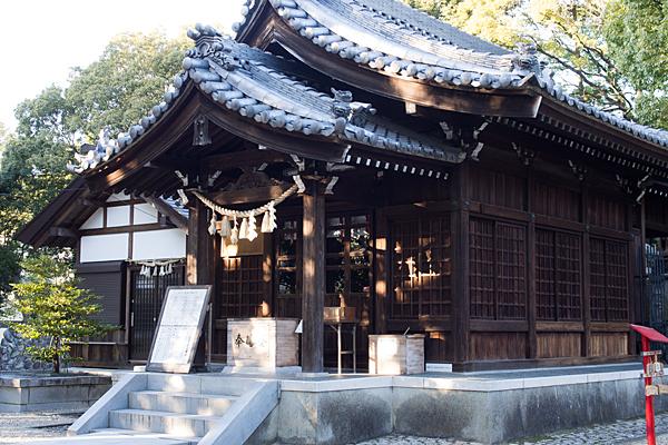 八剱社拝殿