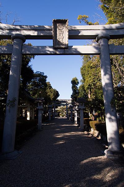 島田神社鳥居と参道