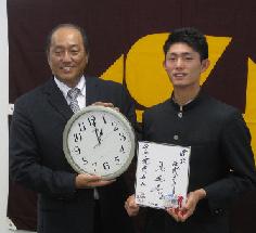 【西武】ドラフト1位作新学院・今井達也に渡辺SDが指名挨拶「いい雰囲気を持っている」