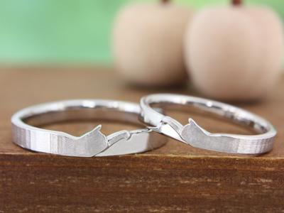ネコモチーフのマリッジリング(結婚指輪)