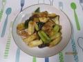 トンカツ用豚肉とネギの炒め物1
