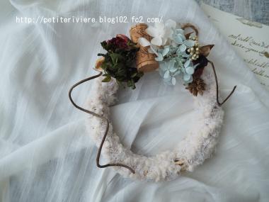 毛糸のふわふわリース