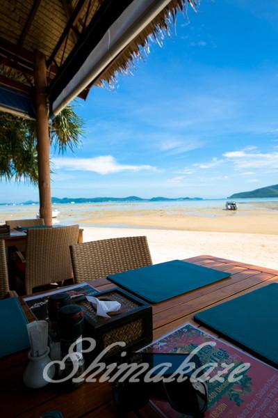 海を見ながら頂くROW FOODは美味しいですね@Frend Ship Beach Resort♪ 記事をクリップするクリップ追