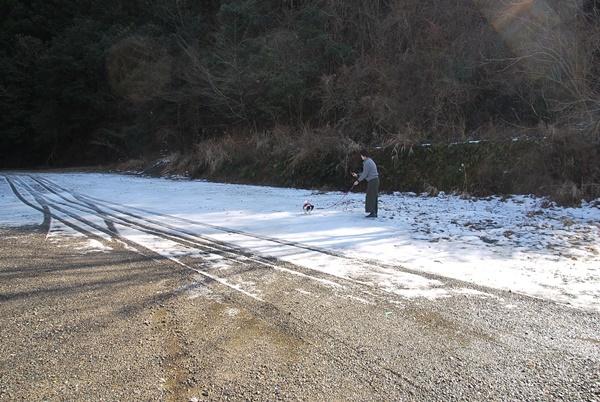雪の上をお散歩9
