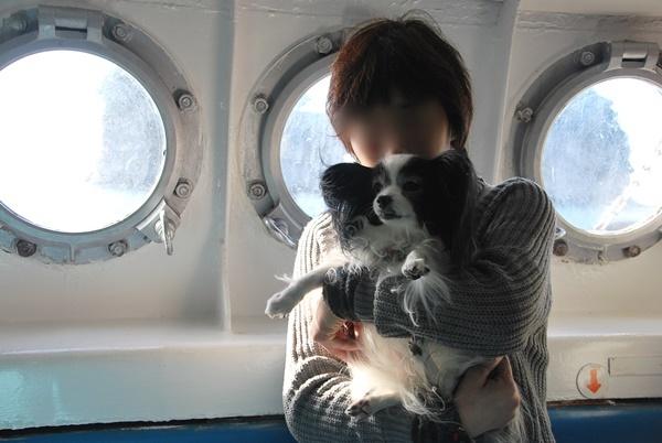 ルビー抱っこで記念撮影