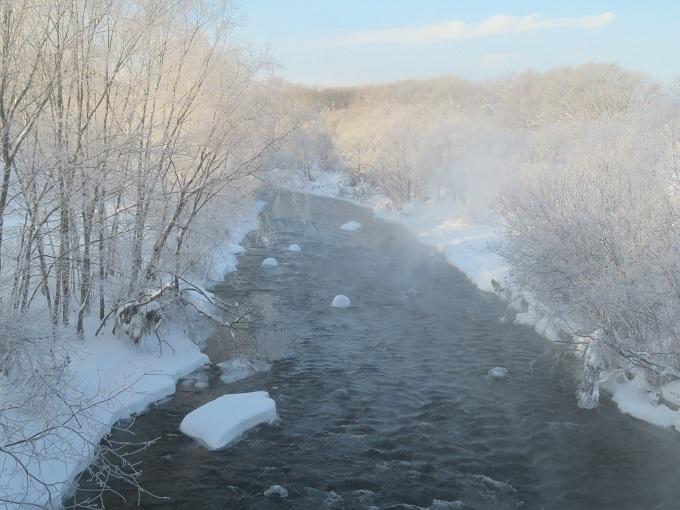 朝日の川霧