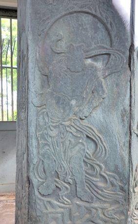 普濟寺(六面石鐘)(国)