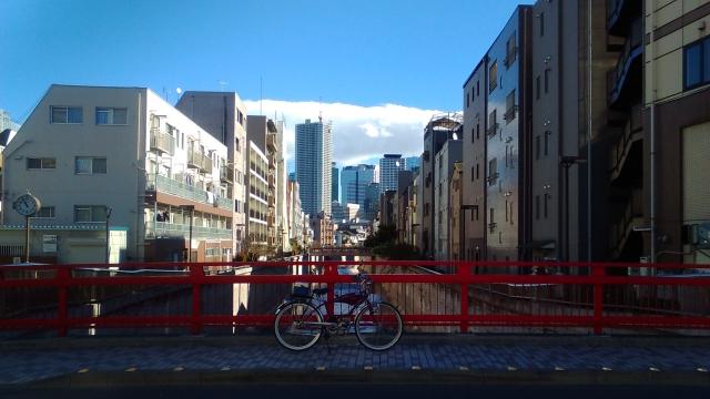 新宿副都心と神田川とフキプランニングFK310LA3 バタバタ自転車・モペッド
