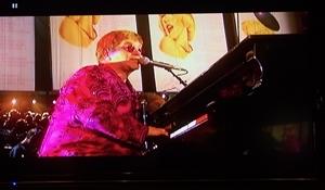 Elton John_300