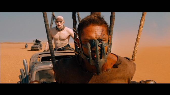 mmfr-Tom Hardy masked
