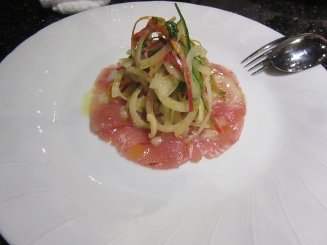 本日の鮮魚(ビンナガマグロ)のカルパッチョ