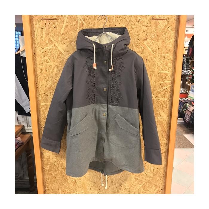 2016-12-19 裏ボア 刺繍入り コート (6)