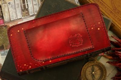 赤い狐の洋古書風長財布