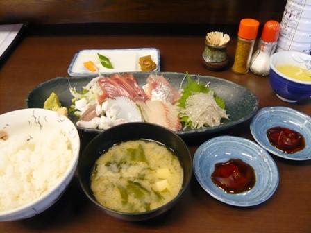 金多〃食堂:刺身盛り合わせ定食1