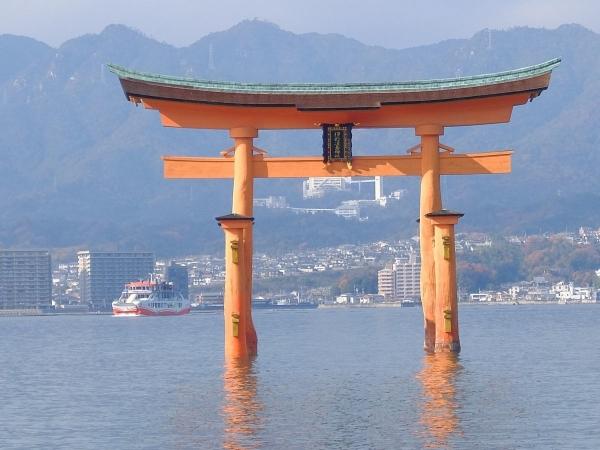 厳島神社1〔フリー写真〕