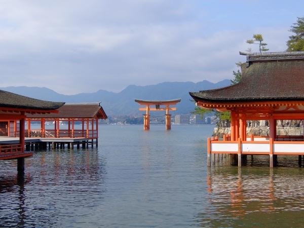 厳島神社3〔フリー写真〕