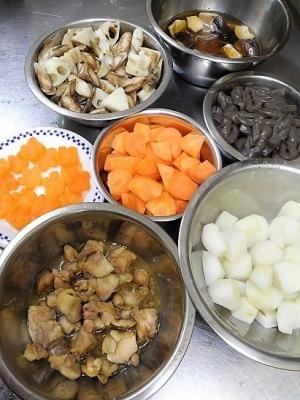 20161230炒り鶏煮材料