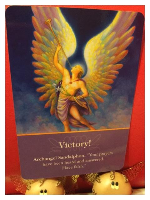 電話占い オラクルカード サンダルフォン 天使占い 天使の羽