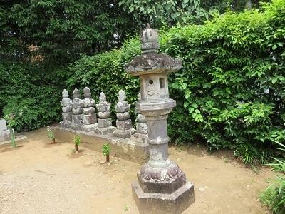 IMG_7110 歴代の墓所