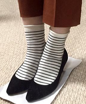 八分丈パンツが靴下と一番合わせ易いかもしれません。