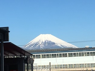 三島駅より富士山
