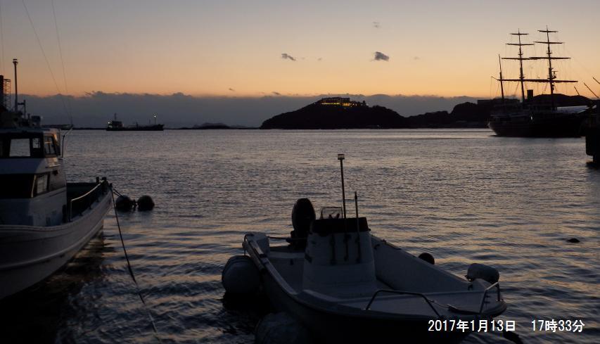 福良湾から四国を眺める