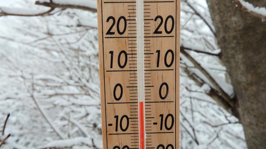 気温はjほぼ零度