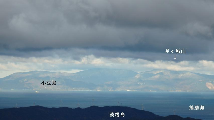 今日は小豆島がくっきりと見える