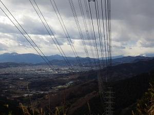 富士山は見れず