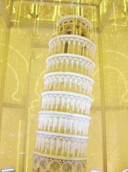 ピサの斜塔です