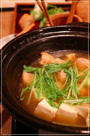 名物の鶏団子鍋、美味しかったですよ