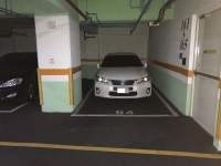 新しい駐車場にCT200h170103