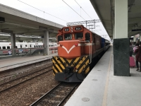 旧型客車編成後尾に機関車170113