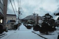 函館山を登っていきます170122
