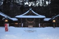 護国神社のお社170122