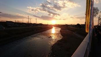 大前神社の五行川の夕日