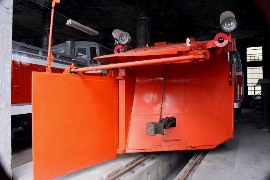 ⑨DD15除雪用機関車 (550x367)
