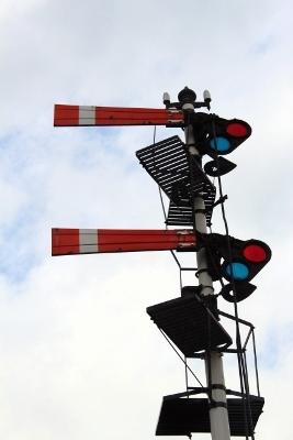 ⑯腕木式信号 (267x400)