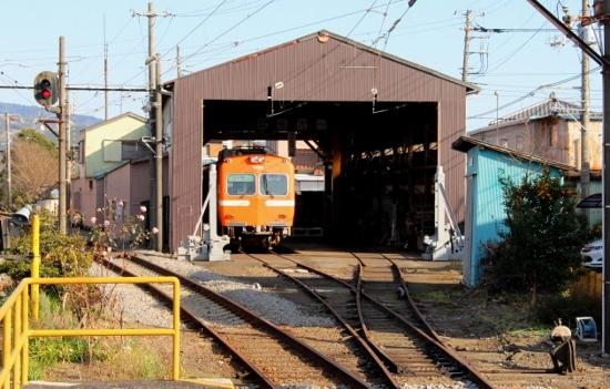 ㉔富士岡車庫 (550x351)