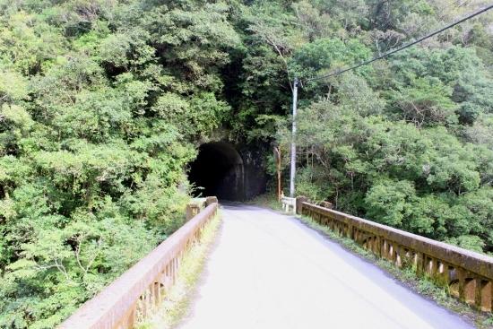 ①馬路村への道