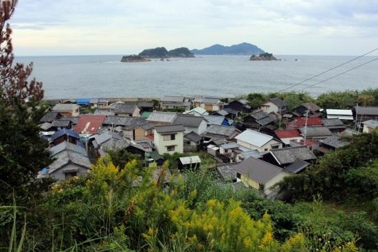 ⑪集落と無人島