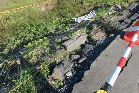 「大型トラック横転事故」下林地区④