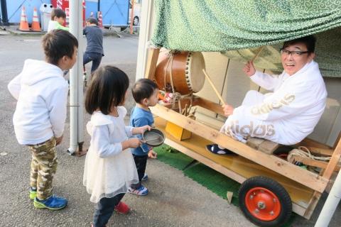 「子供たちが集まるとお祭りが始まるヨ!」①