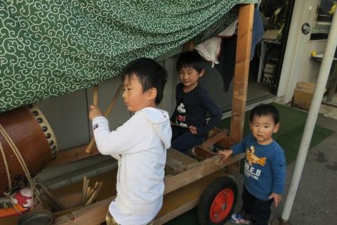 「子供たちが集まるとお祭りが始まるヨ!」④