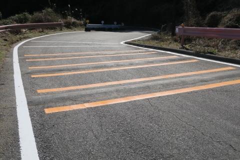 「風返峠を道路改良してドリフト族対策」②